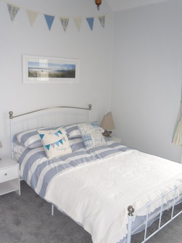 beach hut bedroom